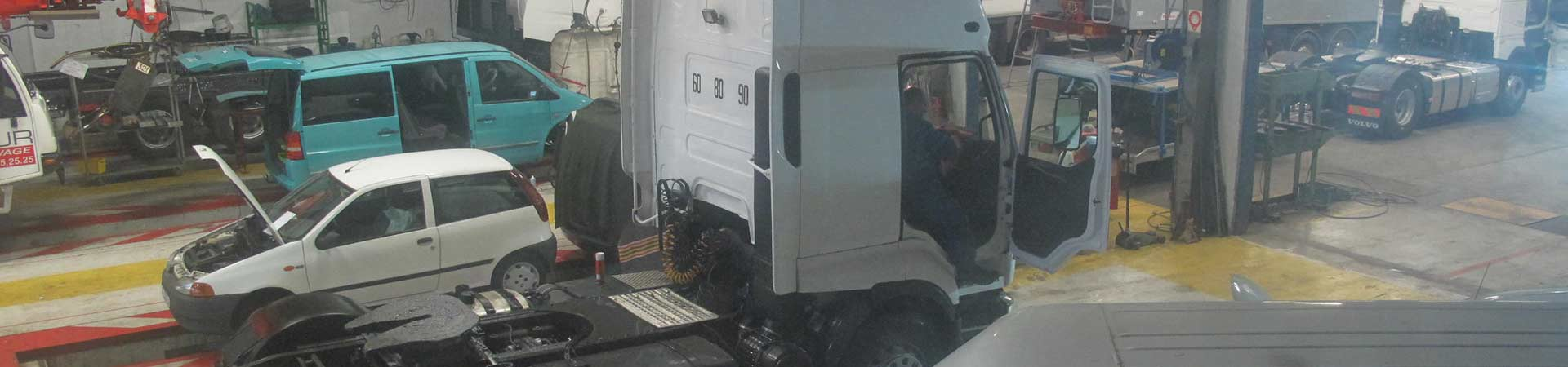 Carrosserie et peinture industrielles poids lourds vers for Garage auto meaux